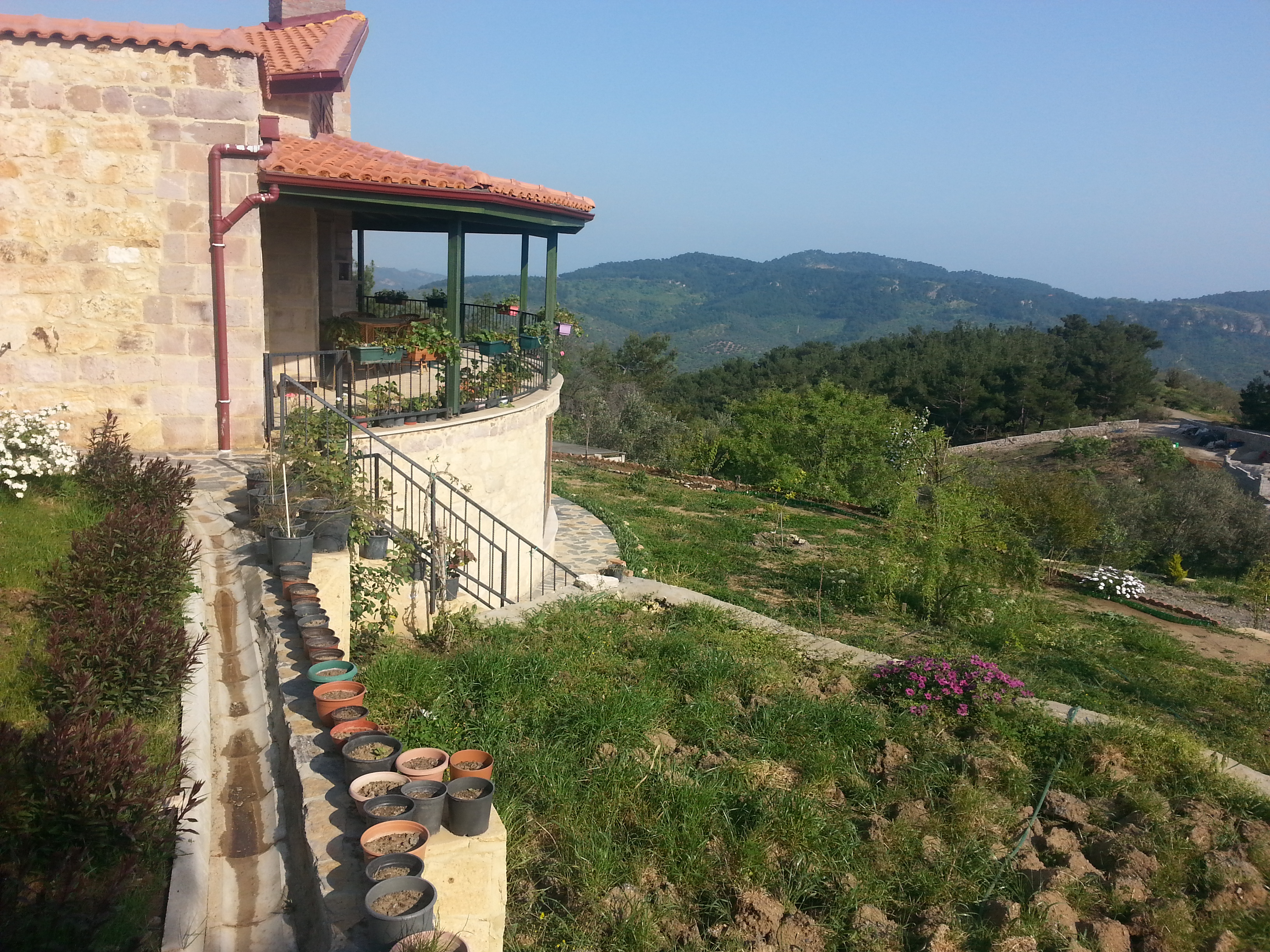 Çanakkale Küçükçetmi'de Satılık Özel Yapım Taş ev