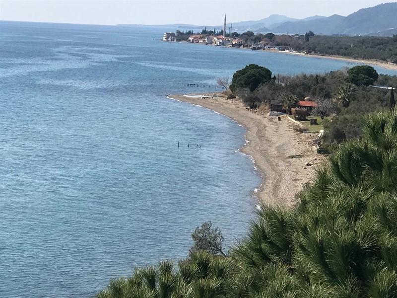 Assos Sahil Yolunda Satılık Denize Sıfır Müstakil EV-OTEL